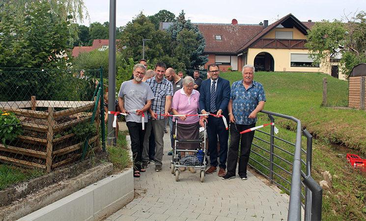 Fußweg am Tuchenbach vollendet