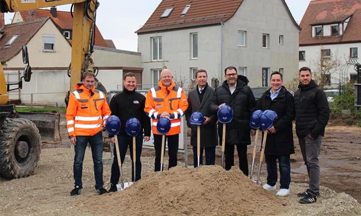 Spatenstich zur Schaffung neuer P&R-Plätze am Bahnhof Siegelsdorf